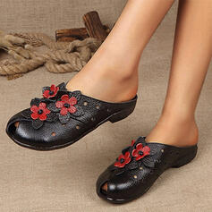 Women's Leatherette Others Flats Round Toe Mules With Applique shoes
