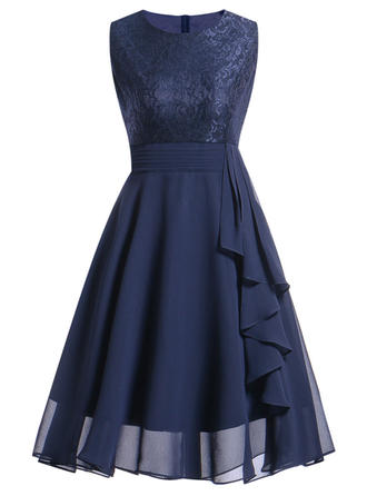 Lace/Solid Sleeveless A-line Knee Length Party/Elegant Skater Dresses